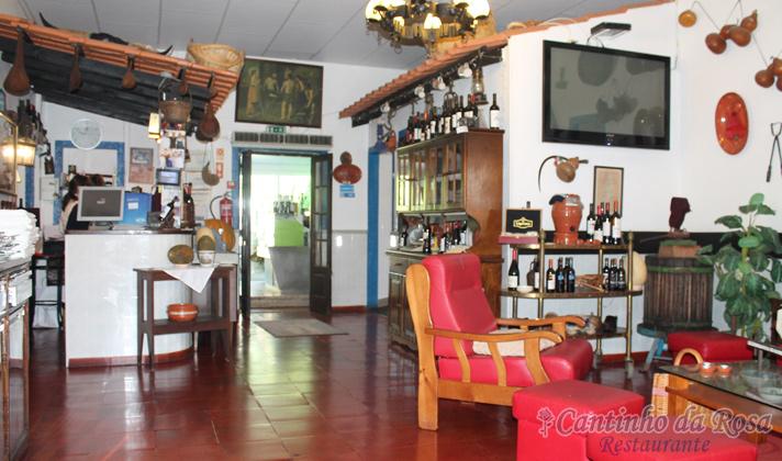 Foto Entrada para Sala da Rosa